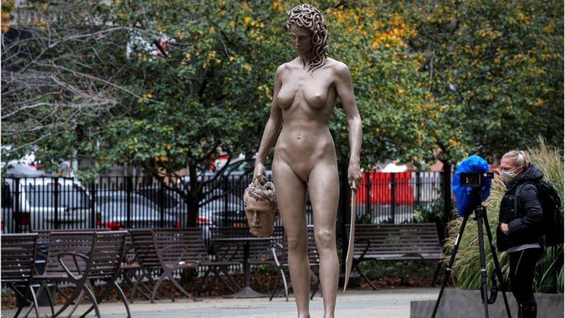 A intrigante estátua de Medusa em homenagem ao movimento MeToo em Nova York