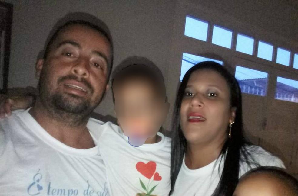Segundo informações da delegada, Marcelo e Rosicleide estavam em processo de separação (Foto: Reprodução/Facebook)