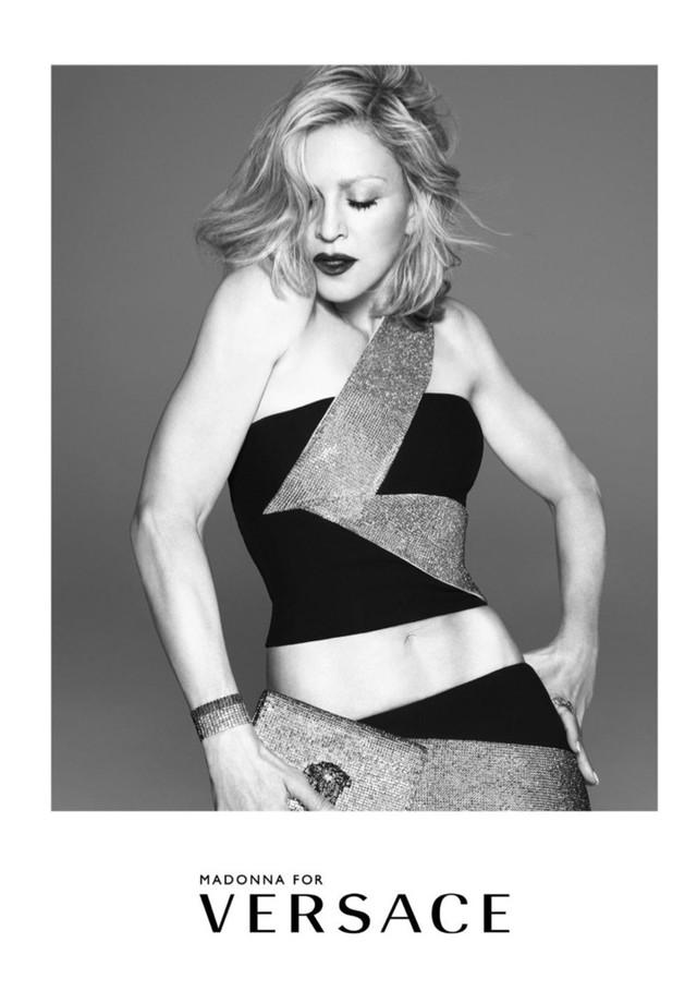 Madonna na campanha da Versace em 2015 (Foto: Divulgação)