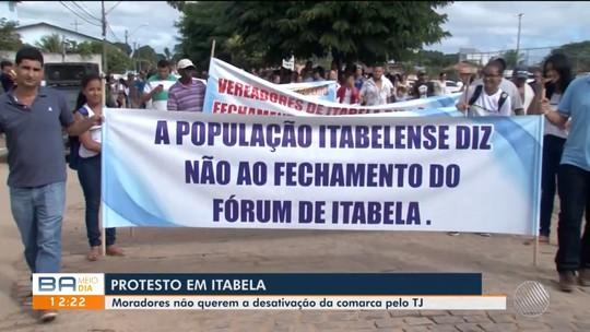 Moradores realizam protesto contra possível desativação de comarca em Itabela
