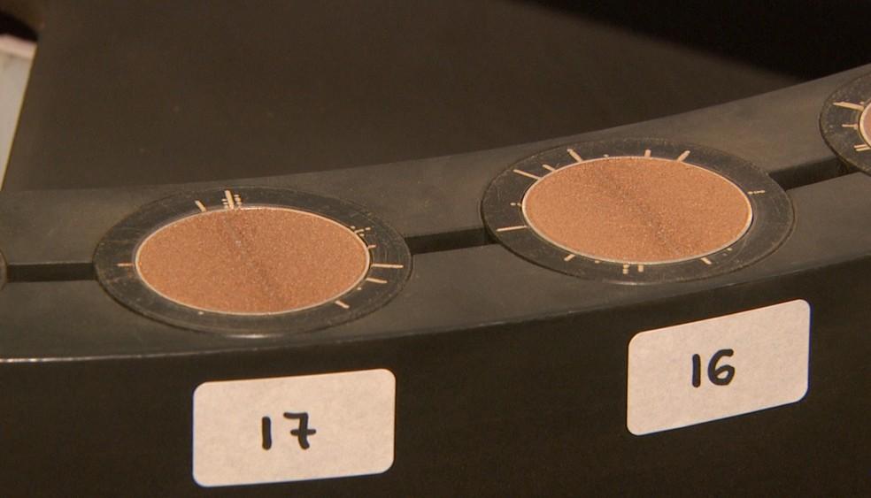 Amostras de solo são analisadas em tempo real com aparelho desenvolvido pela Embrapa. — Foto: Reprodução EPTV