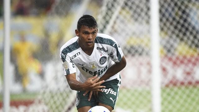 Gabriel Veron estreou como profissional no Palmeiras