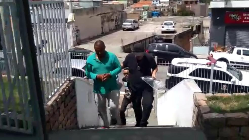 Homem foi preso e levado para a delegacia em Jundiaí — Foto: Arquivo pessoal
