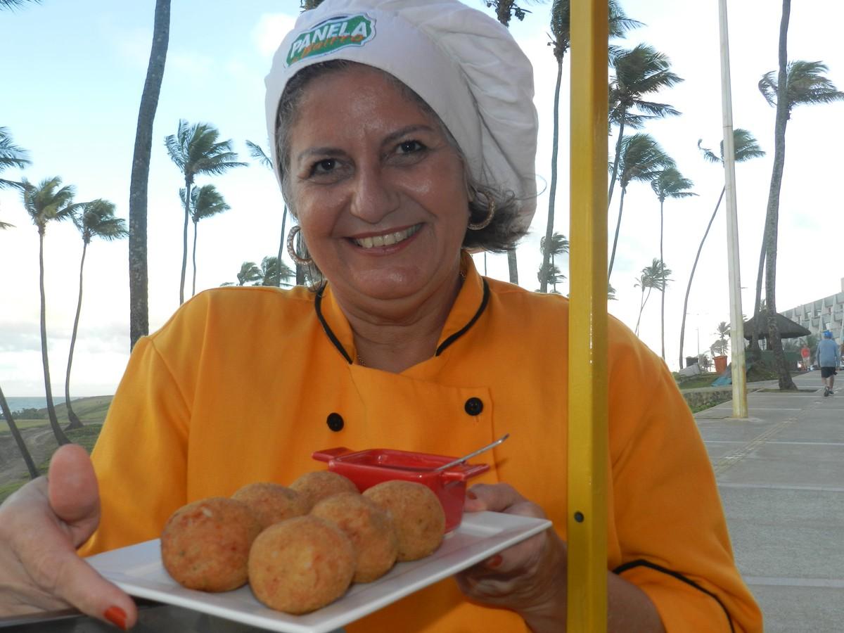 Panela de Bairro ensina a fazer receita de bolinho nordestino