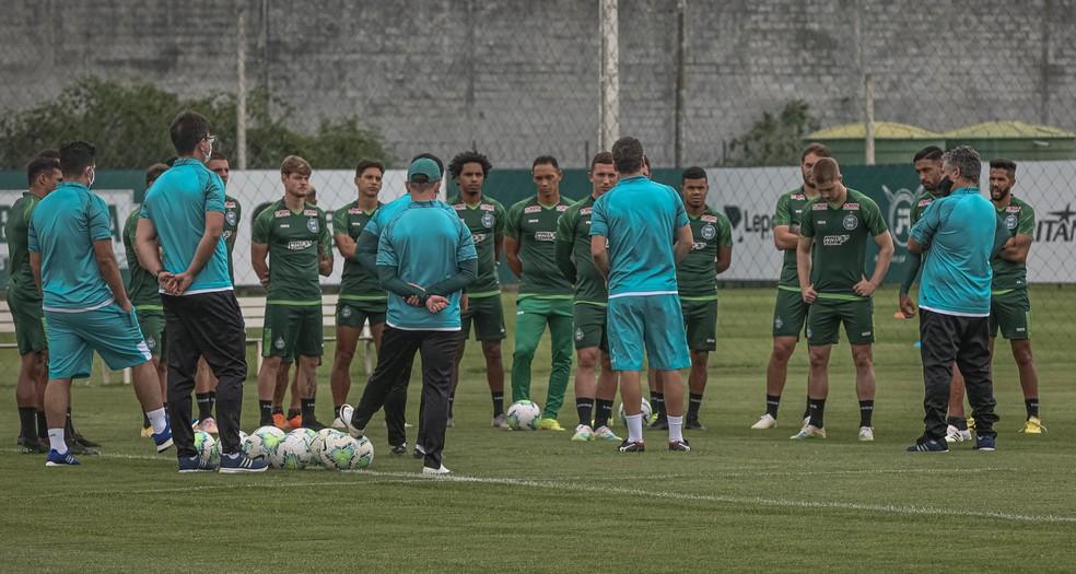 Entre saídas, chegadas e retornos, Coritiba acelera a reformulação do  elenco para a temporada de 2021 | coritiba | ge
