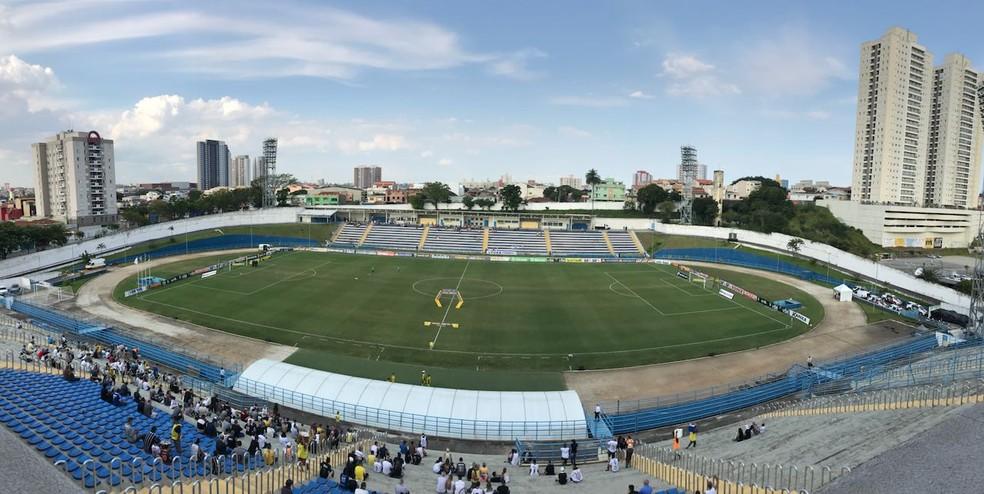 Duelo acontece no estádio Brunão, no ABC Paulista — Foto: Bruno Cassucci