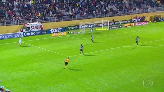 Bragantino vence o Figueirense e assume a liderança da série B