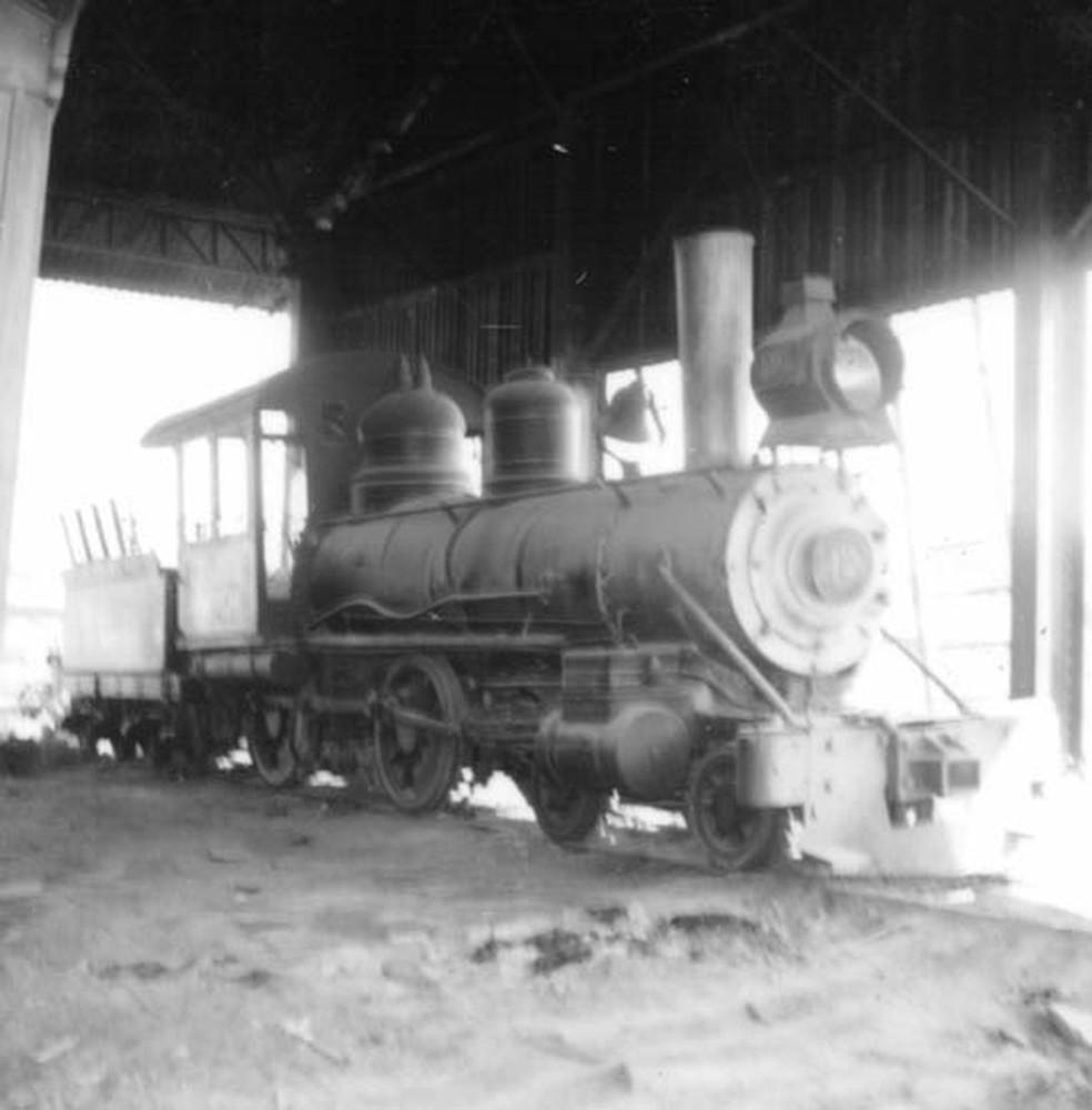 Locomotiva na Estrada de Ferro Madeira-Mamoré — Foto: IBGE/ Arquivo