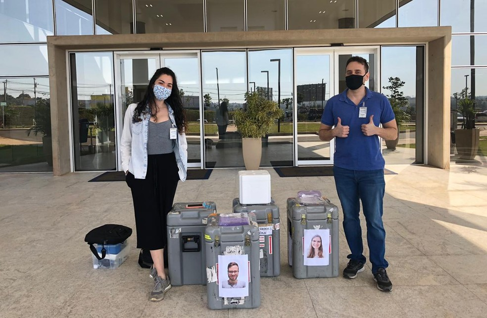 Pesquisadores da USP de São Carlos durante período de coleta de dados no Sirius, em setembro de 2020 — Foto: Arquivo pessoal
