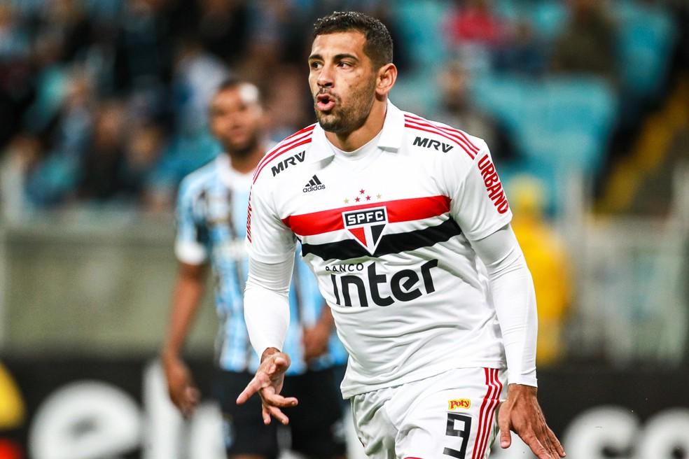 Diego Souza fez o gol do São Paulo na derrota para o Grêmio (Foto: Diego Vara/BP Filmes)