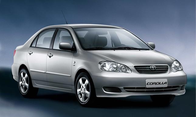 Toyota Corolla nona geração - 2003