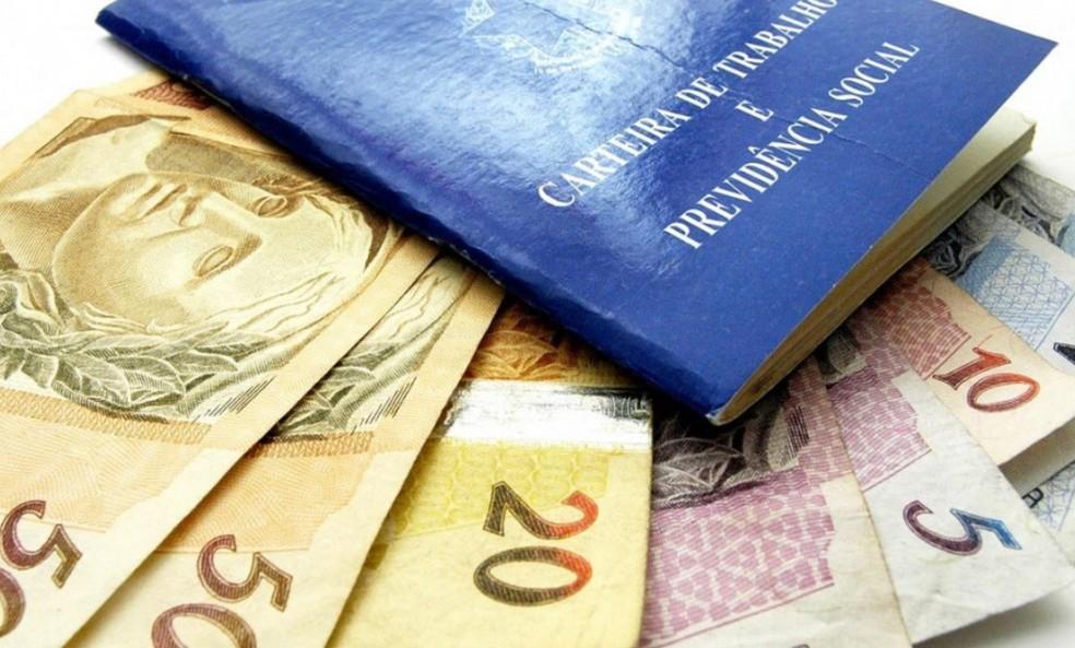 Pagamento do 13º salário deve injetar mais de R$ 210 bilhões na economia em 2018 — Foto: Reprodução