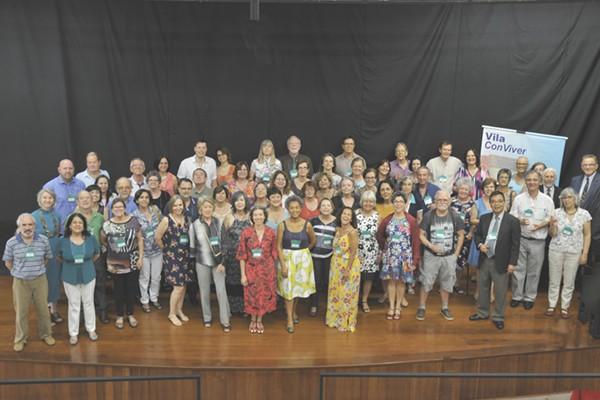 Professores da Unicamp na assembleia de fundação da Associação de Moradores da Vila Conviver