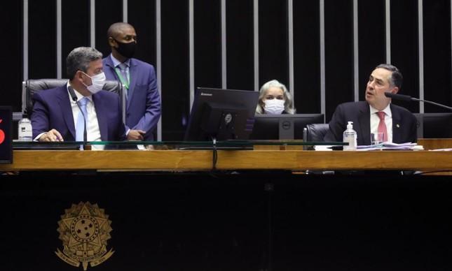 Presidente da Câmara, Arthur Lira, e presidente do TSE, ministro Luis Barroso, durante audiência sobre voto impresso