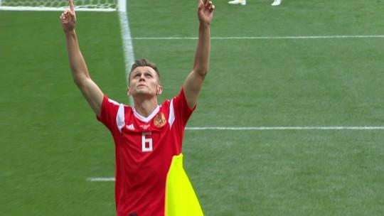 """Decisivo na abertura da Copa, Golovin fala da felicidade: """"Difícil dormir"""""""
