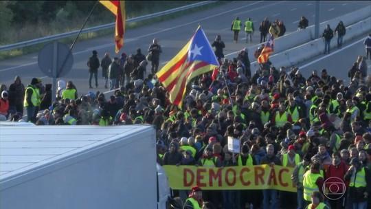 Corte espanhola anula declaração unilateral de independência da Catalunha