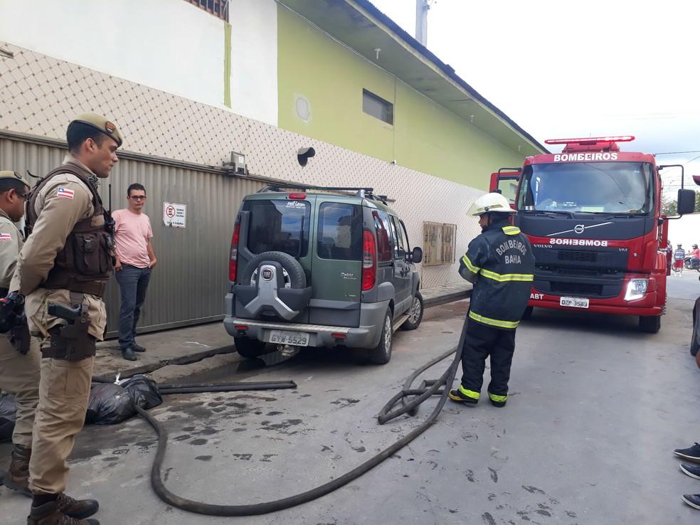 Incêndio foi debelado pelo Corpo de Bombeiros (Foto: Site Verdades Políticas )