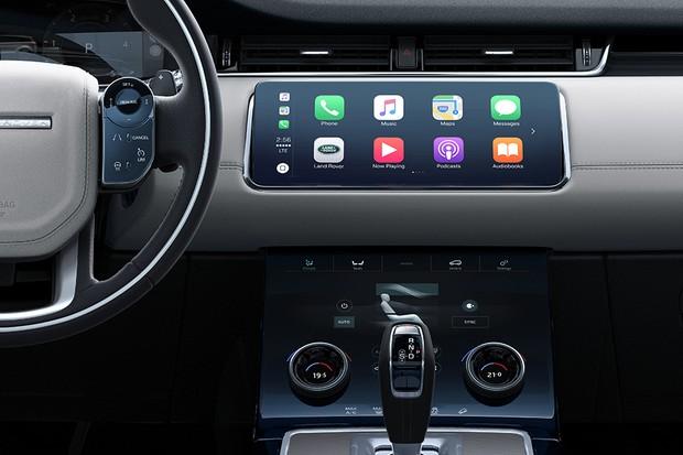 Detalhes do painel e da central multimídia do Range Rover Evoque 2019 (Foto: Divulgação)