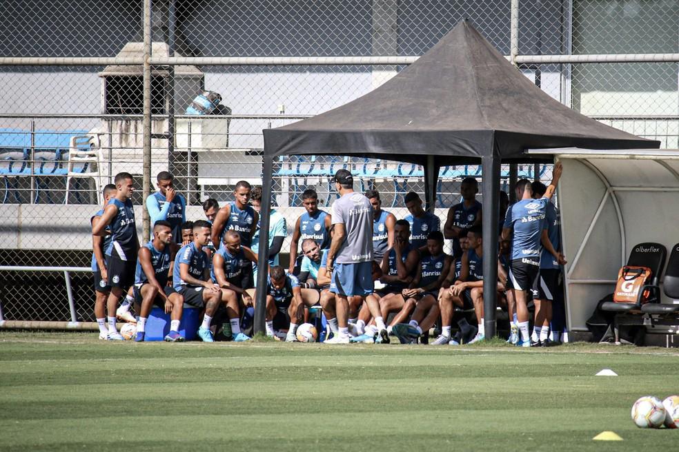Jogadores também passar por testes — Foto: Lucas Bubols/GloboEsporte.com
