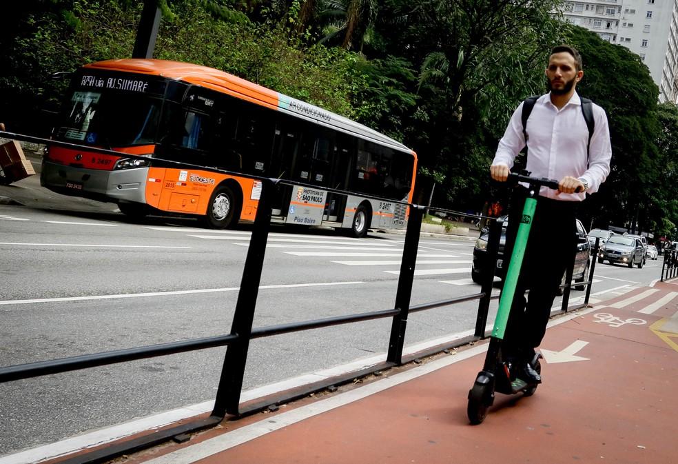 A prefeitura da cidade de São Paulo regulamenta uso de patinetes elétricos na cidade — Foto: Aloisio Mauricio / Foto Arena / Estadão Conteúdo