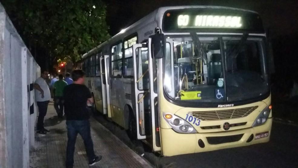 Assalto aconteceu no ônibus da Linha 60, em Natal (Foto: Sérgio Henrique Santos/Inter TV Cabugi)