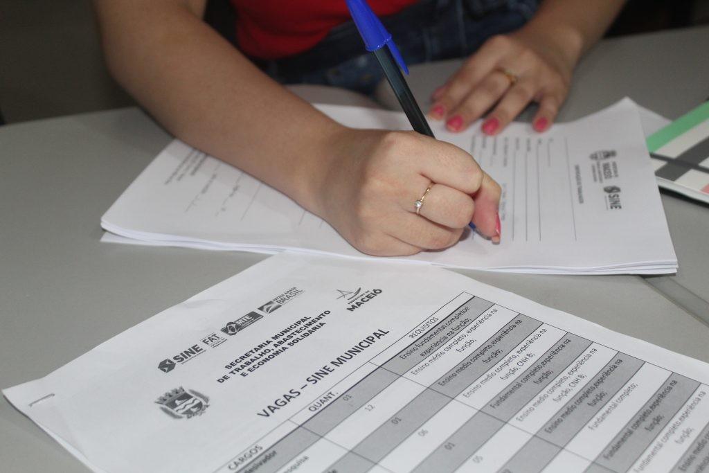 Sine Maceió oferta 60 vagas de emprego em diversas áreas