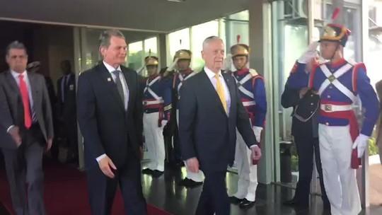 Secretário de Defesa dos EUA se reúne com ministros em Brasília