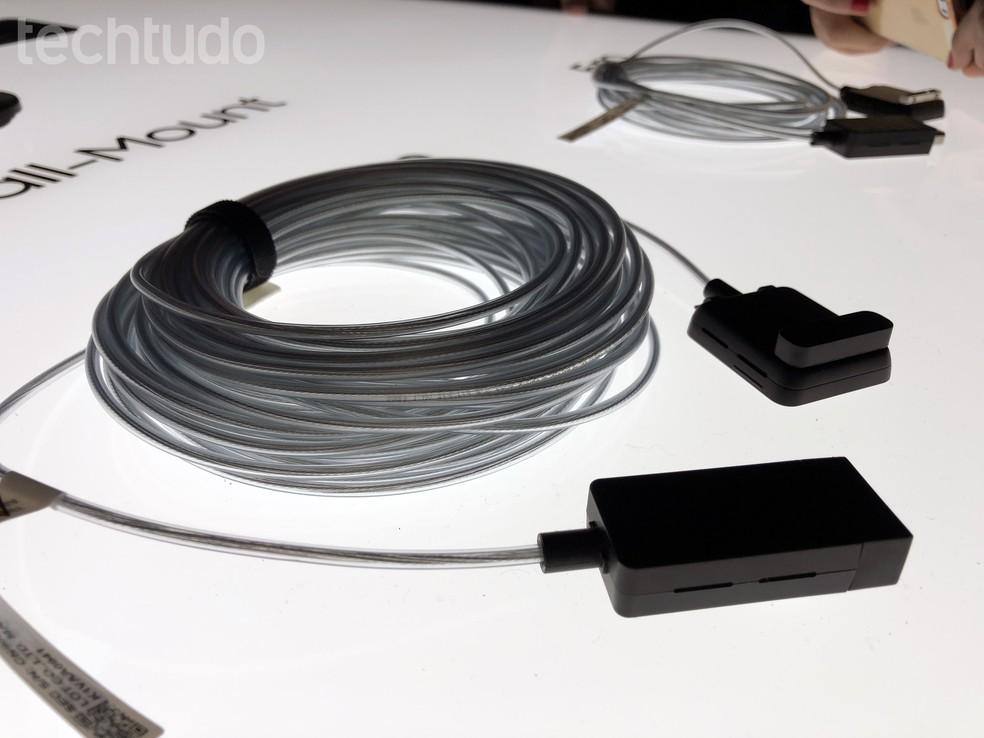 Smart TVs QLED de 2018 da Samsung chegam com One Connect para cabos invisíveis (Foto: Anna Kellen Bull/TechTudo)