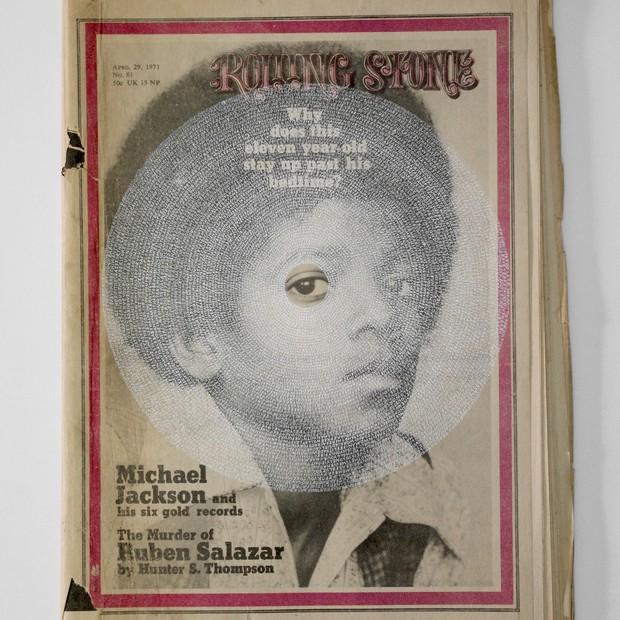 """Hugo Boss patrocina a exposição """"Michael Jackson: Michael Jackson Rolling Stone (White) por Graham Dolphin (Foto: Reprodução)"""