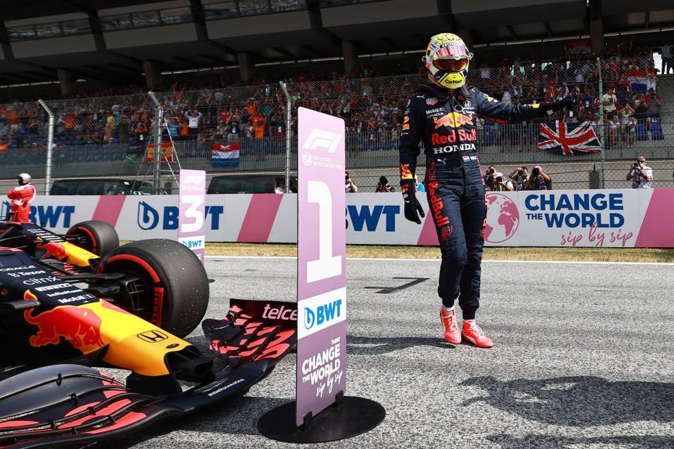 Max Verstappen garantiu sua pole position do ano no GP da Áustria — Foto:  Mark Thompson/Getty Images