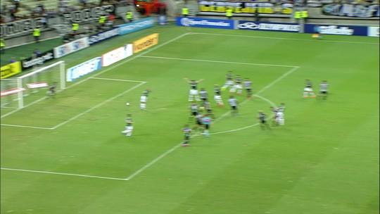 Análise: Palmeiras contraria expectativa, piora marcação e entra em pane após pausa