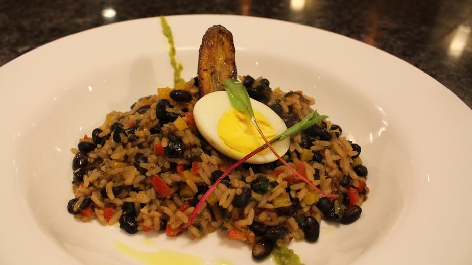 Aprenda o 'Gallo Pinto', prato típico da Costa Rica, adversária do Brasil na Copa