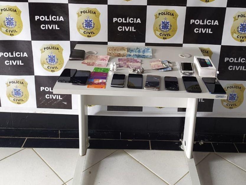 Homem é preso em flagrante com celulares roubados e drogas no oeste da Bahia