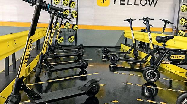 Fundada em junho de 2017, a Yellow, famosa pelas bikes amarelas, lançou em agosto patinetes elétricas em uma estação privada, montada em um edifício de alto padrão em São Paulo (Foto: divulgação)