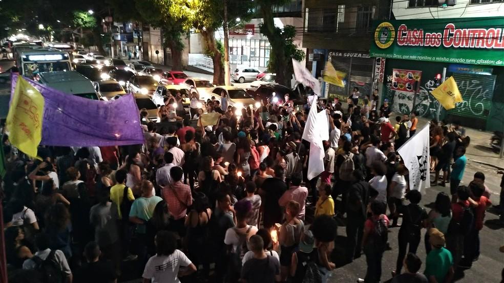 Protesto interdita a avenida José Bonifácio, em Belém (Foto: Pedro Cruz/G1 PA)