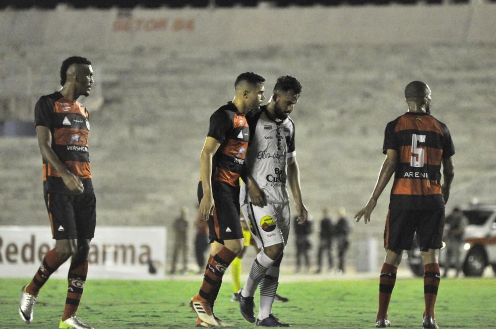 Derrota para o Botafogo-PB não foi de todo mal, apesar de ter sido dentro do Estádio Amigão — Foto: Pedro Alves / GloboEsporte.com