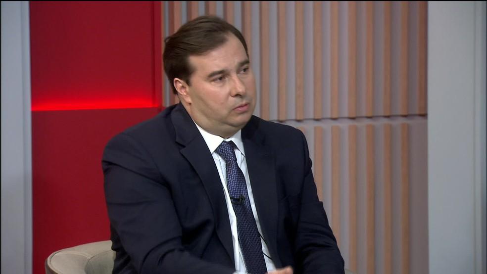 O presidente da Câmara, Rodrigo Maia (DEM-RJ), concedeu entrevista à GloboNews nesta quarta (6) — Foto: Reprodução / GloboNews