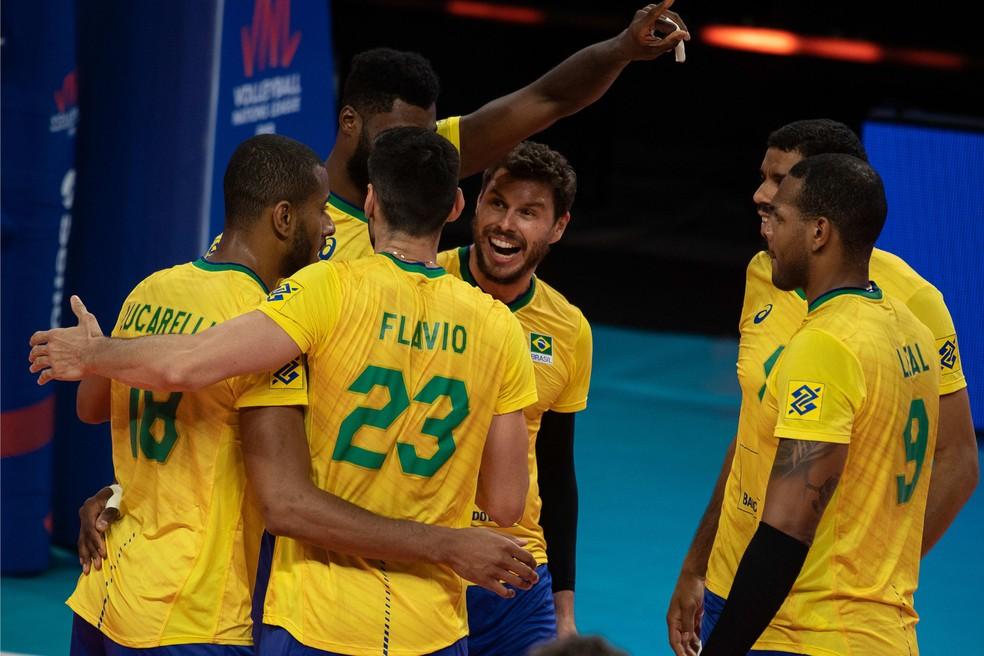 Brasil EUA Liga das Nações — Foto: FIVB