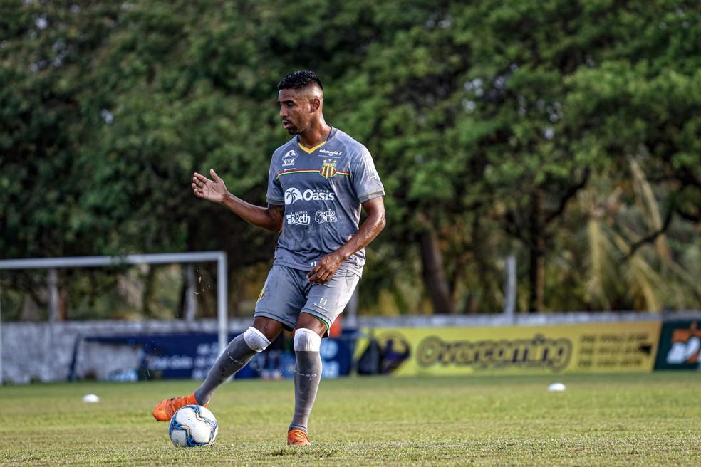 lateral-direito Diogo Rangel foi pouco utilizado no Sampaio — Foto: Lucas Almeida/L17 Comunicação