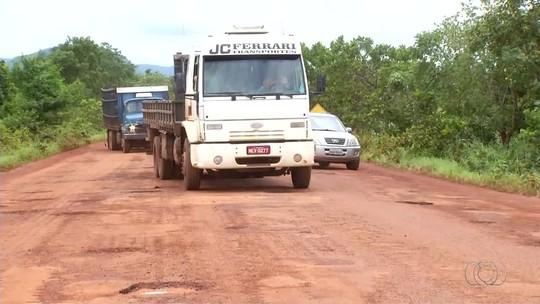 Buracos prejudicam tráfego na TO-020 entre Palmas e Aparecida do Rio Negro