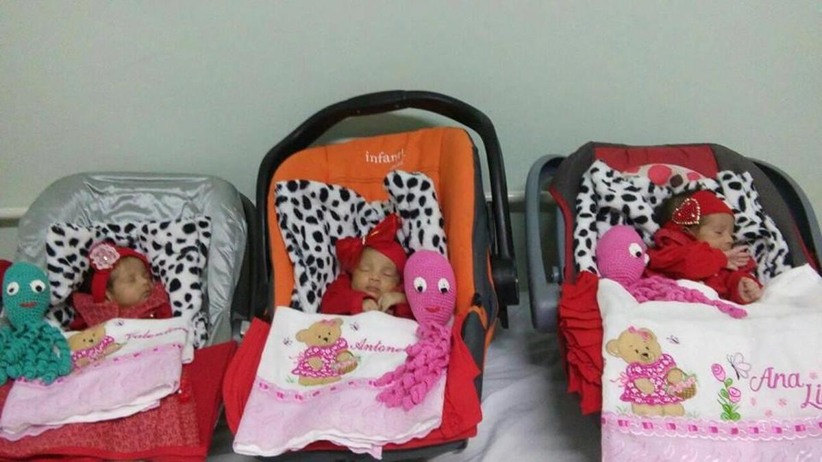 Após 26 dias internadas, trigêmeas que nasceram de parto normal recebem alta
