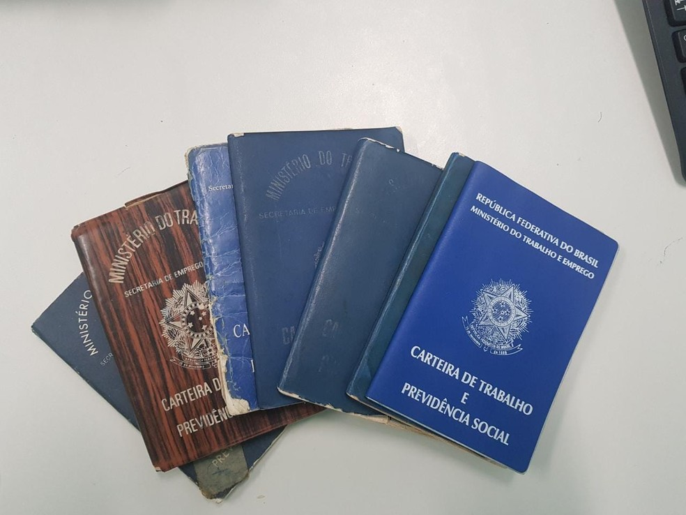 Documentos apreendidos na casa de vereador — Foto: Divulgação/Polícia Civil