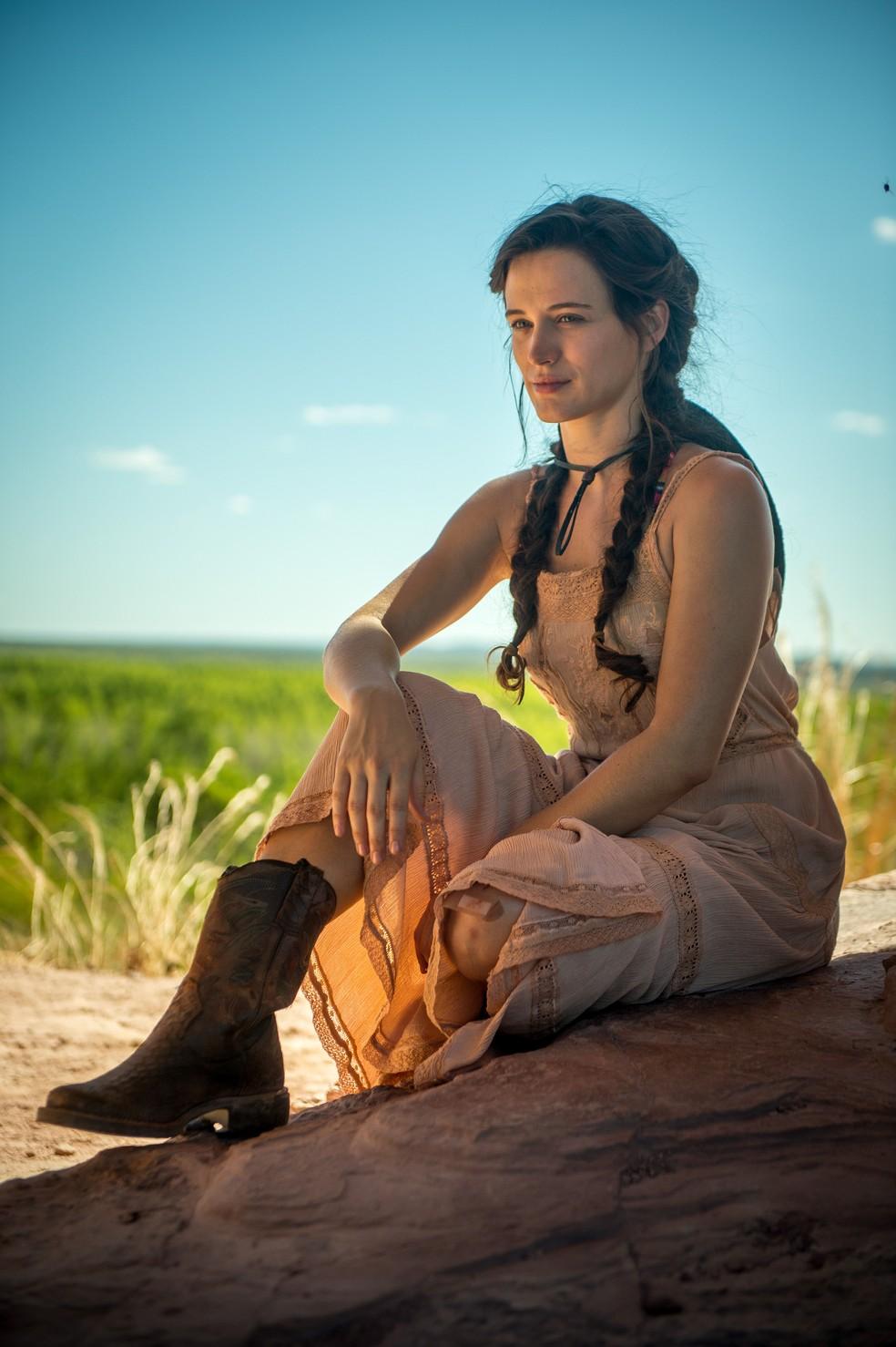 Bianca Bin será a jovem Clara (Foto: Raquel Cunha/Globo)