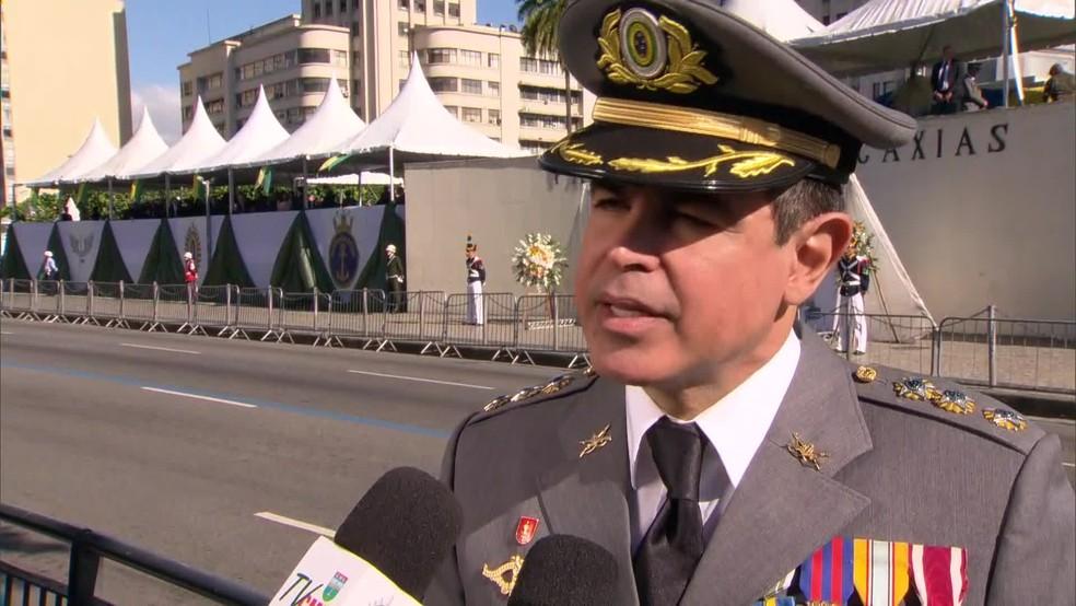 Porta-voz do Comando Militar do Leste, coronel Carlos Cinelli (Foto: Reprodução/GloboNews)