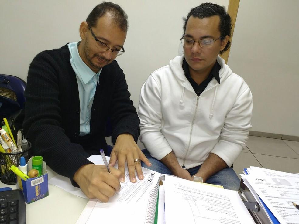 Cleber e Celso Mattos, de Rio Preto (SP), fizeram adoção tardia (Foto: Cleber Mattos/Arquivo Pessoal)