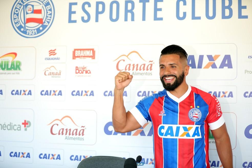 Meia vai voltar a jogar em Salvador depois de passagem pelo Real Salvador — Foto: Felipe Oliveira/Divulgação/E.C. Bahia
