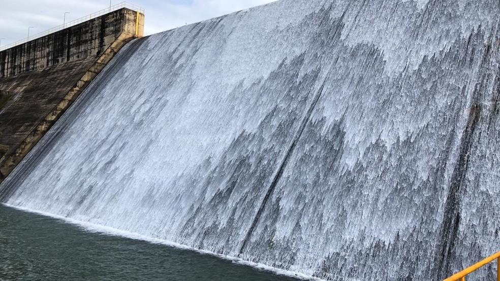 Barragem do Descoberto, no Distrito Federal, opera com 100% da capacidade; em imagem de arquivo — Foto: Fabiano Andrade/TV Globo