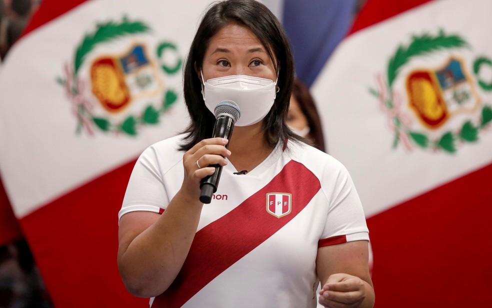 A candidata do partido Força Popular à presidência do Peru, Keiko Fujimori, durante entrevista coletiva em 8 de maio — Foto: Reuters/Angela Ponce