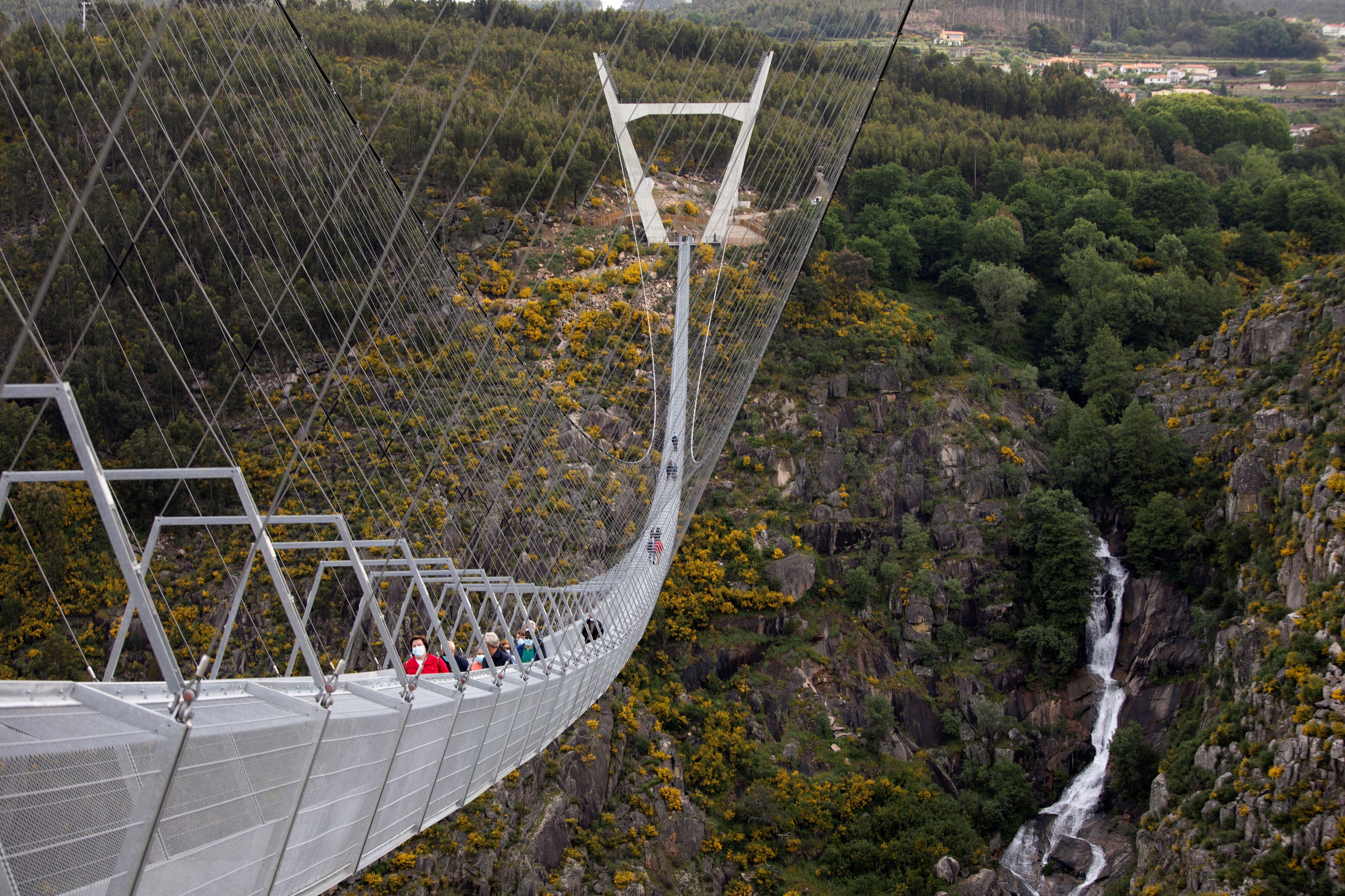Portugal inaugura maior ponte suspensa de pedestres do mundo; veja FOTOS e VÍDEO thumbnail