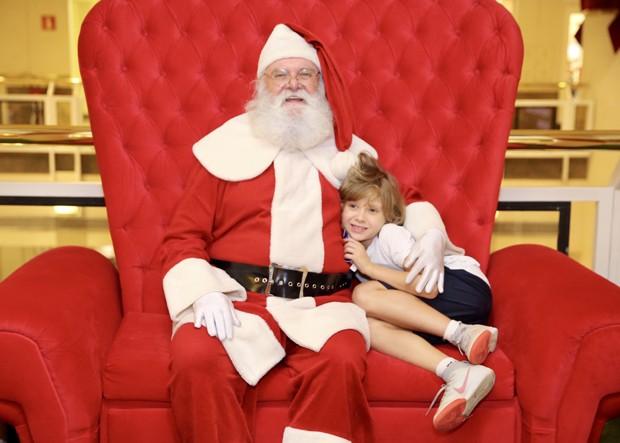 Papai Noel e Vittorio (Foto: Manuela Scarpa/Brazil News)